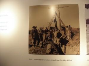 1932.- Colocando canalización entre Quart de Poblet y Mislata